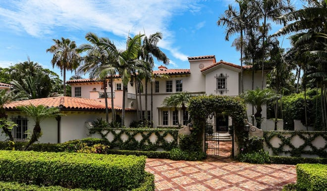 A five-bedroom house at 236 Via Las Brisas just sold for a recorded $10.1 million in the Phipps Estate enclave on the North End of Palm Beach.