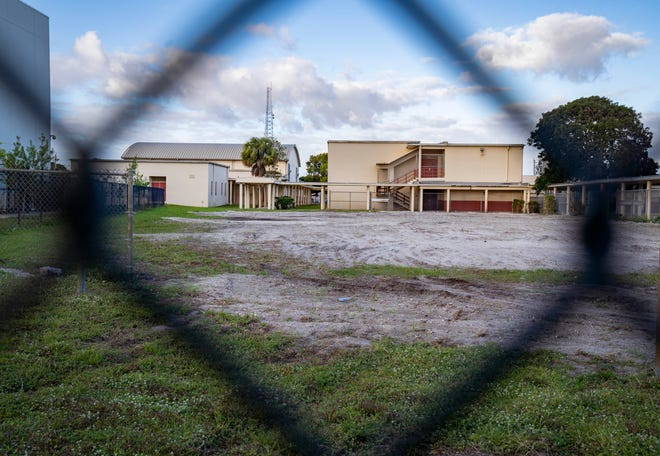 The old Carver High School in Delray Beach as seen Tuesday. Work could begin in June 2021 on a 20,000-square-foot building on the site along with the renovation of the old high school gymnasium.
