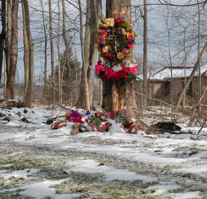 A roadside memorial was located at the crash site on Peck road where Marlana J. Mullin, 22, and Christine Shead, 12 and Evey Montecalvo, 13, died following the crash of a pick-up truck driven by Julianne M. Shead, 41, of Ravenna on Dec. 13.