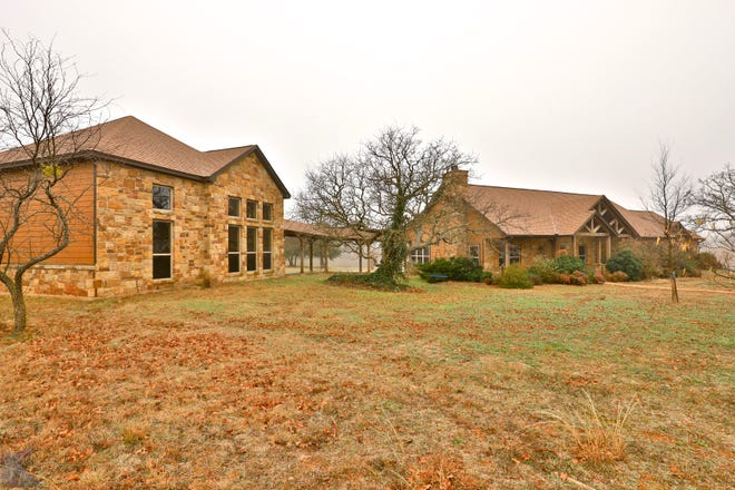 23839 State Highway 279, Cross Plains