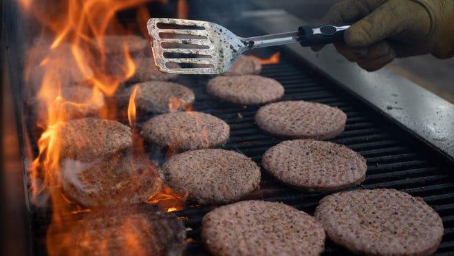 Wendy S Pretzel Burger 2020 New Bacon Pub Cheeseburger Now Available