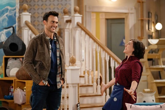 "Kat (Mayim Bialik, right) reconnects with her old crush Max (Cheyenne Jackson) in ""Call Me Kat."""