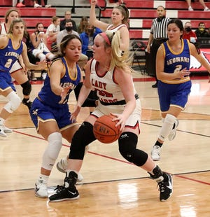Pottsboro's Hadley Williams scored a game-high 16 points in a win over Leonard during District 11-3A play.