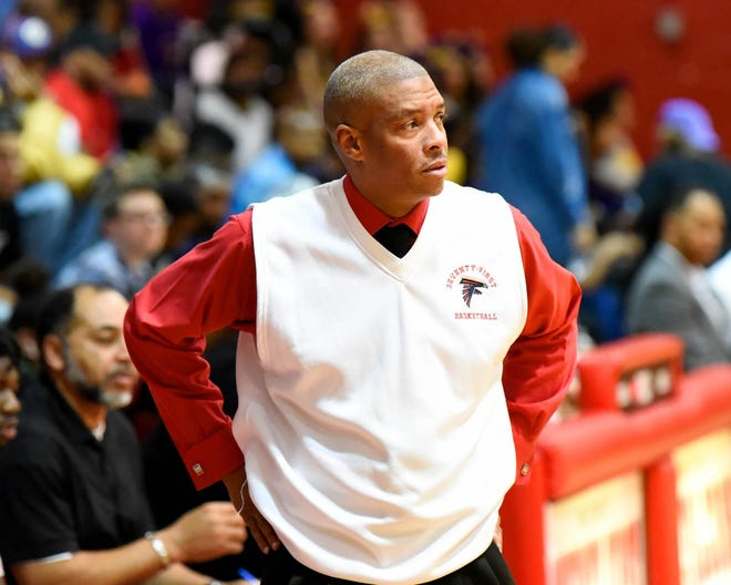 After leading the Seventy-First boys' basketball team to more than 250 wins and a crowd of championships, David Simmons is resigning from his post to take a new job in Cumberland County.