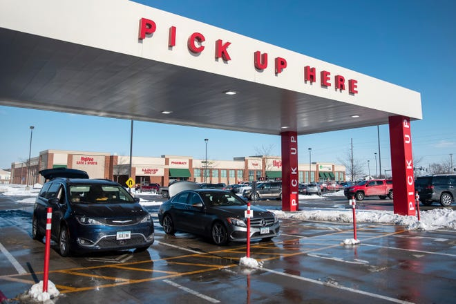 Hy-Vee Aisles Online grocery pickup center is seen on Dec. 30, 2020 in Waukee. Two of the grocery store chains' locations in Iowa City and Coralville will soon get their own pickup centers for Aisles Online.