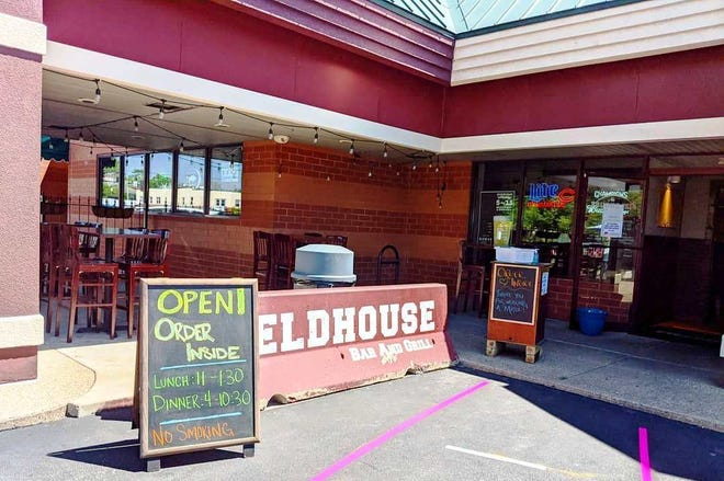 The Fieldhouse Bar & Grill on the West Bluff of Peoria is closing for about a month, effective Sunday.