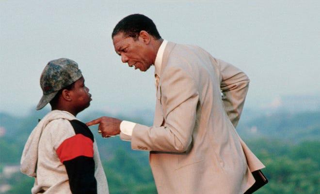 Morgan Freeman memerankan Joe Clark dalam film 1989