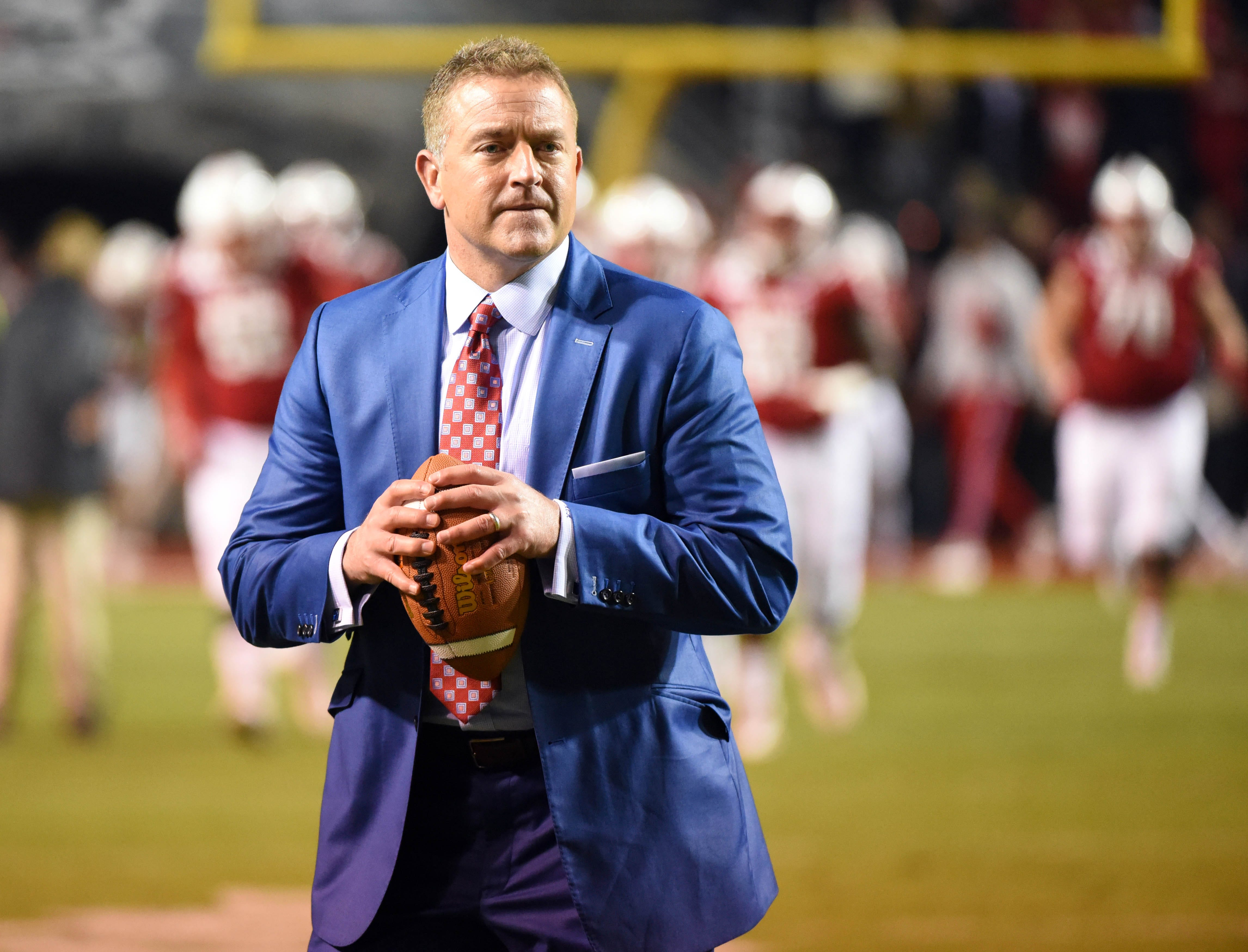 Kirk Herbstreit says he 'still can't taste or smell' five months after testing positive for COVID-19