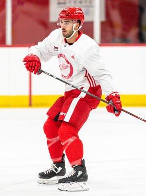 Penyerang Red Wings Robby Fabbri meluncur selama hari pertama kamp pelatihan Red Wings.