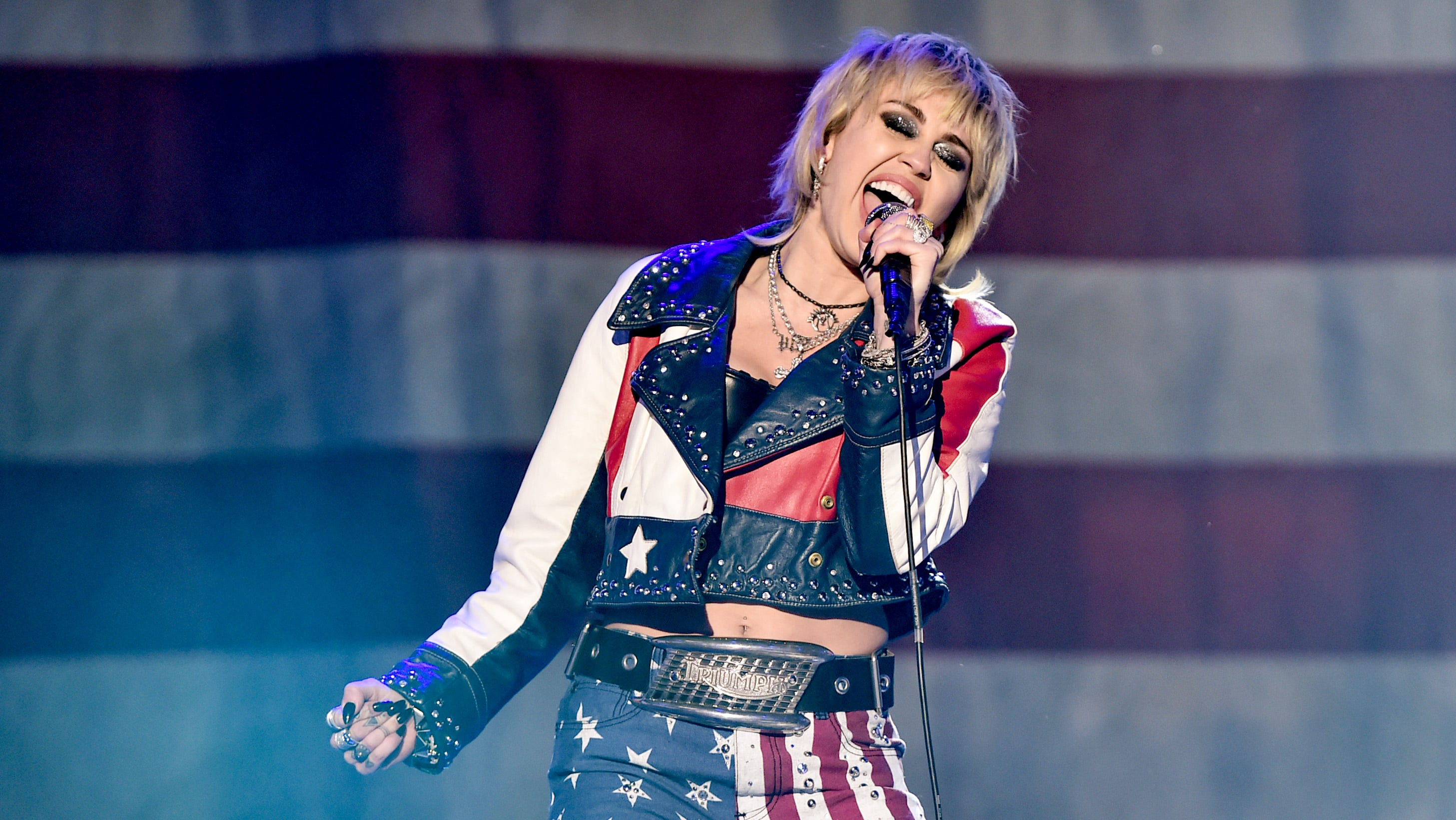 'SNL': Miley Cyrus covers Dolly Parton in moving Mother's Day opening tribute