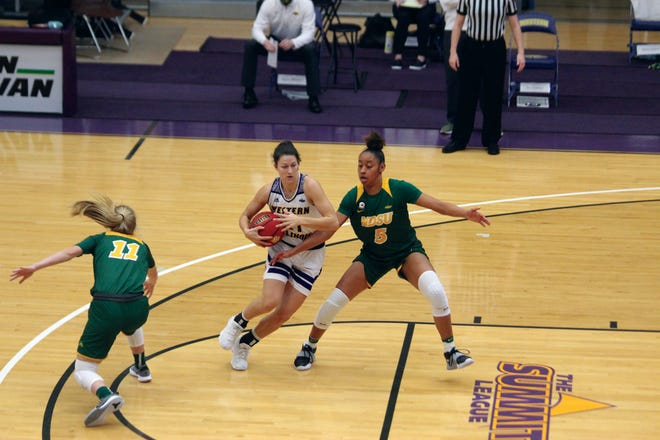 Western Illinois' Grace Gilmore goes to the basket during Saturday's game.