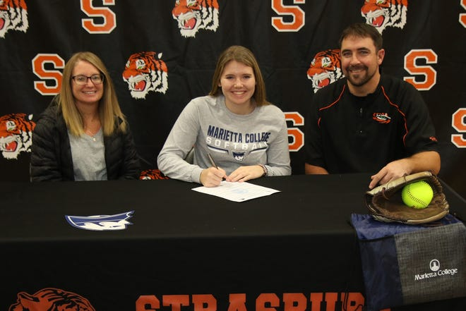 Liv Lauvray recently signed to continue her academic and athletic career with Marietta College.  The daughter of Brock and Emily Lauvray, Liv will major in Athletic Training and join the Pioneers as an infielder.