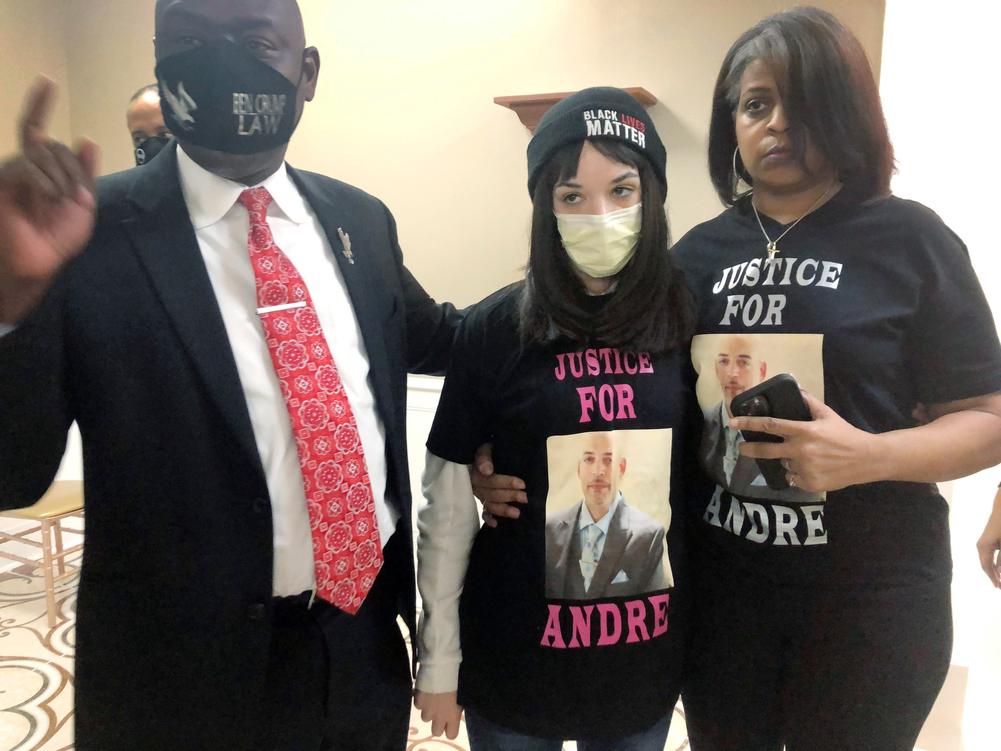 Columbus approves $10M settlement with family of man fatally shot by officer 2