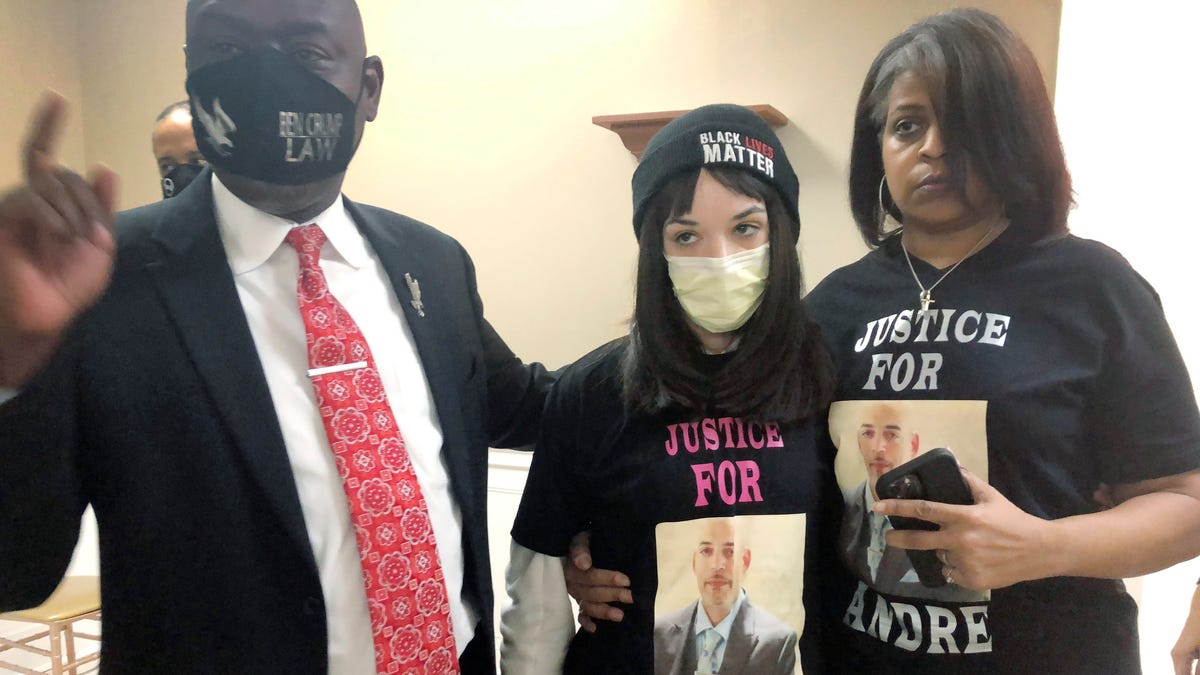 Columbus approves $10M settlement with family of man fatally shot by officer 3