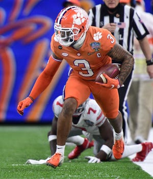 Amari Rodgers takes off down the sideline during Clemson's game against Ohio State at the Sugar Bowl in New Orleans.