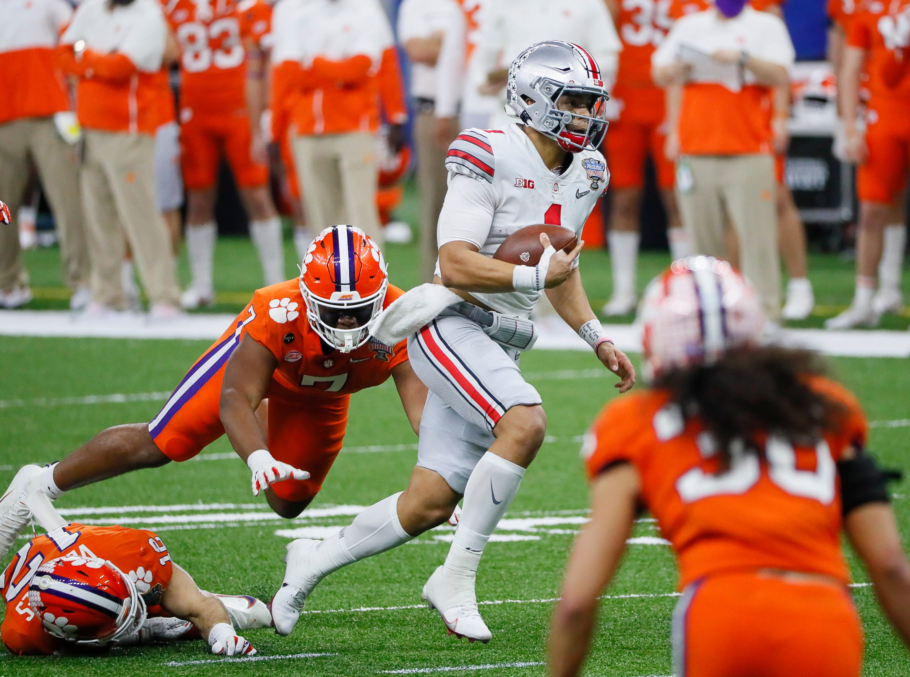 Ohio State handles Clemson in college football semifinal at Sugar Bowl