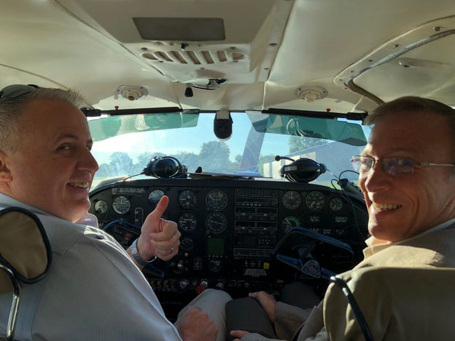 David Compo adalah pilot yang rajin.