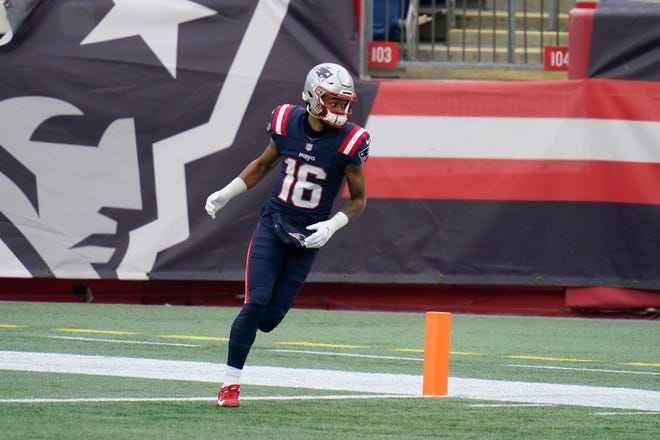 Patriots wide receiver Jakobi Meyers warms up before the game against the Jets on Sunday in Foxboro.