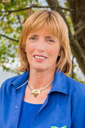 Cindy Adams Dunn