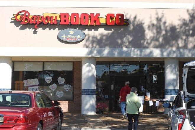Die Bayou Book Company in Niceville war ein Grundnahrungsmittel in Niceville, das 1986 in der Oak Creek Mall eröffnet wurde.  Der Laden schloss am 31. Januar.