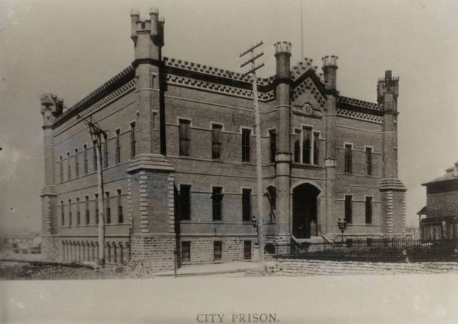 As the city of Columbus grew, so did its need for a larger prison. Construction on the facility next to the Scioto River on West Town Street was completed Dec. 29, 1879. With multiple turrets on its façade, the building looked more like a castle than a prison. Forty years later, the building already had passed its prime and the city was considering razing it when a 1920 fire in its attic forced the issue. The parts of the prison that weren't destroyed by fire were demolished the following year.
