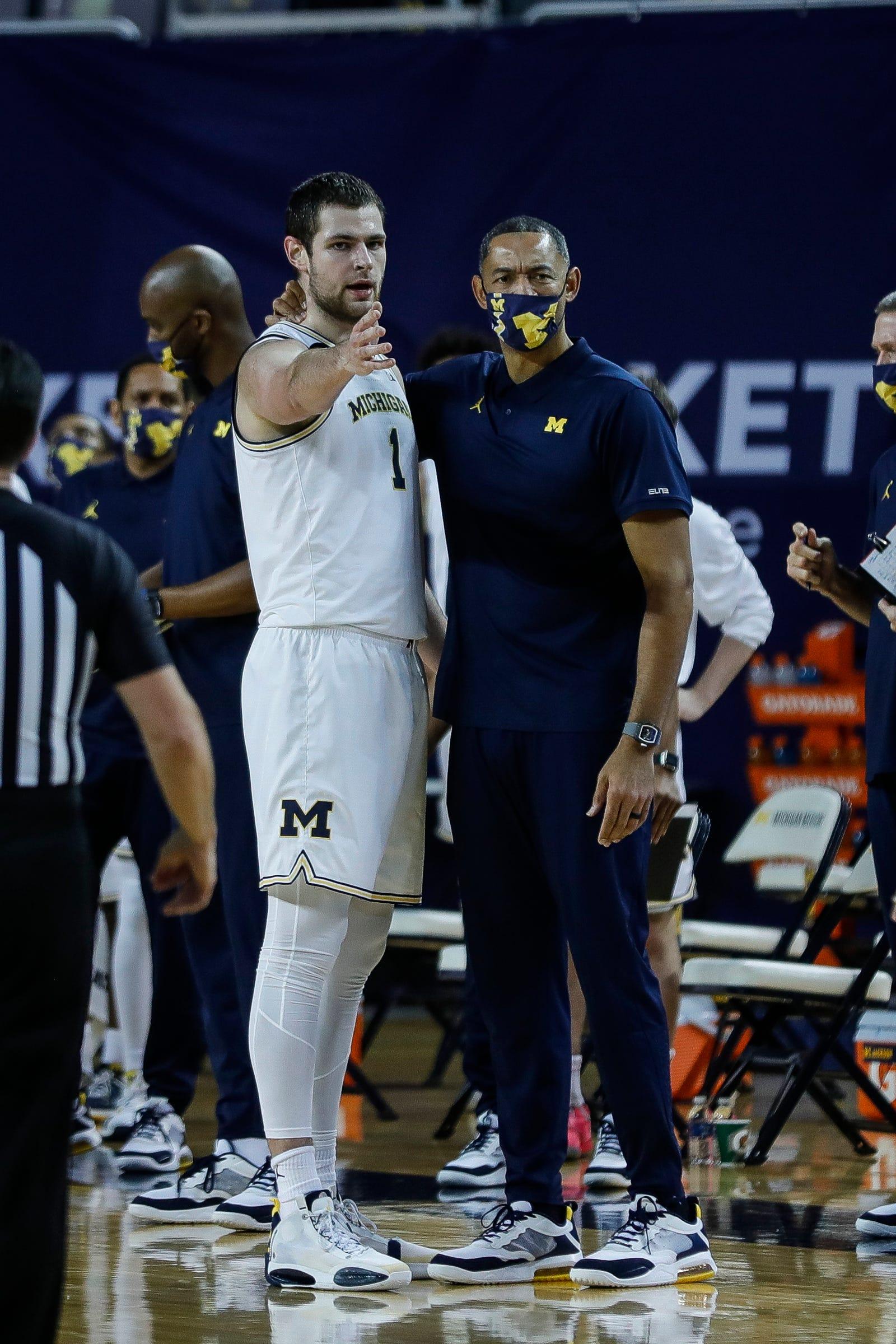 Why Michigan basketball's Hunter Dickinson struggled in rematch vs. Minnesota