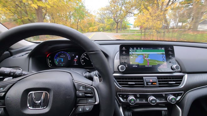 With digital screen displays and excellent navigation tools including Apple CarPlay and Android Auto, the 2021 Honda Accord Hybrid is better than a Lexus ES for thousands of dollars less.