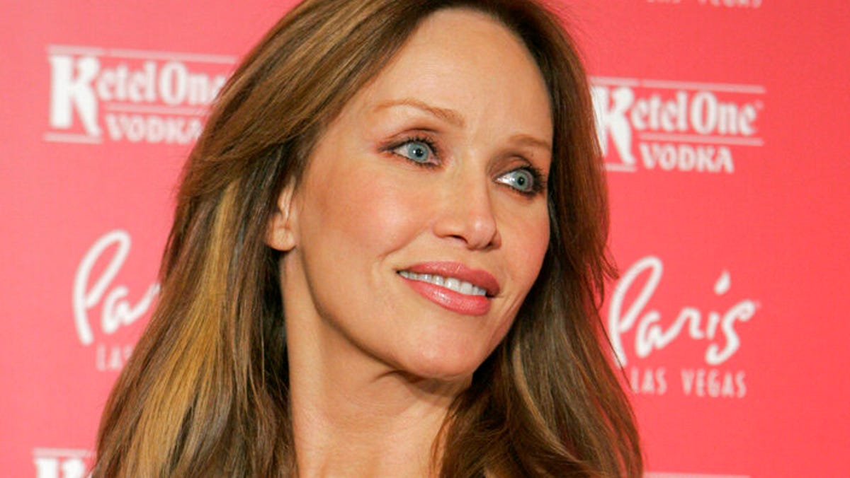 Tanya Roberts, Bond girl and 'That '70s Show' star, dies 1