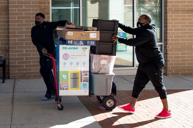 Florida A&M University students returned to campus for the spring semester Monday, Jan. 4, 2020.
