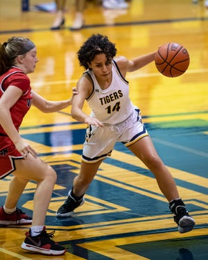 Ariana Rosado helped Stony Point to a nondistrict win over East View last week. The Tigers, along with the rest of District 25-6A, resume district competition this week.