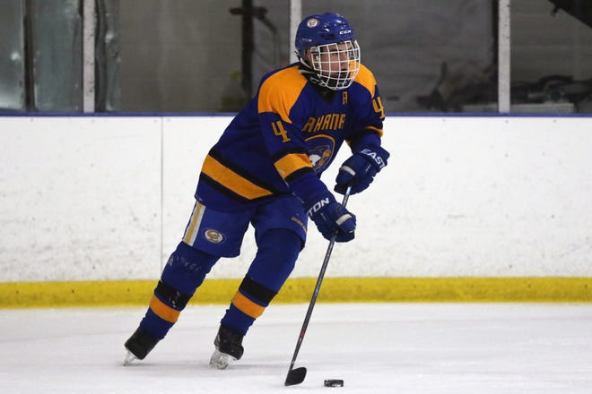Gahanna's Thomas Giles is at the center of the hockey team's turnaround. Three seasons ago, the Lions were 2-30. With Giles  leading the way with 13 goals, 17 assists and a plus-21 rating, the squad was 8-5 after an 11-0 victory over Cincinnati Sycamore on Jan. 3.