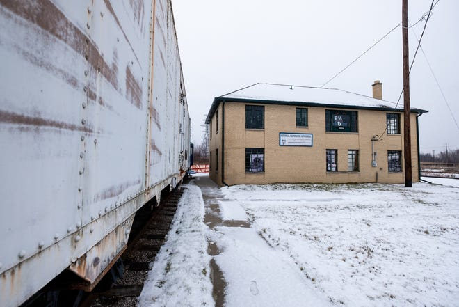 The Port Huron and Detroit Railroad Historical Society is working to renovate a Port Huron building into a museum.
