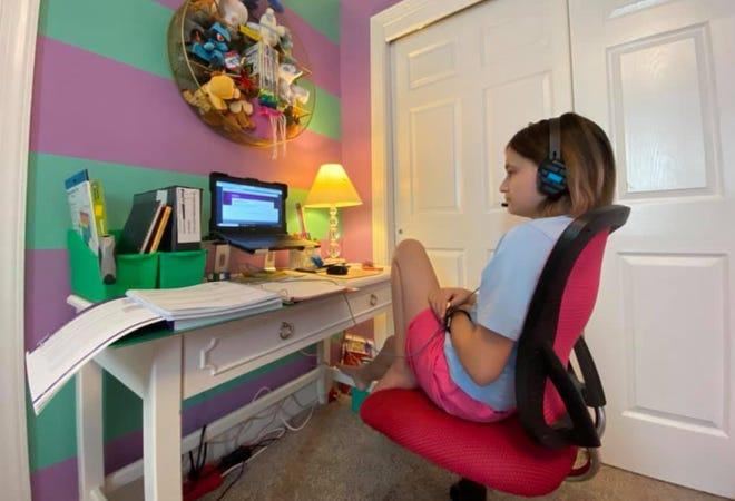 A Pennsylvania Cyber Charter School 6th grade student attends a class virtually.