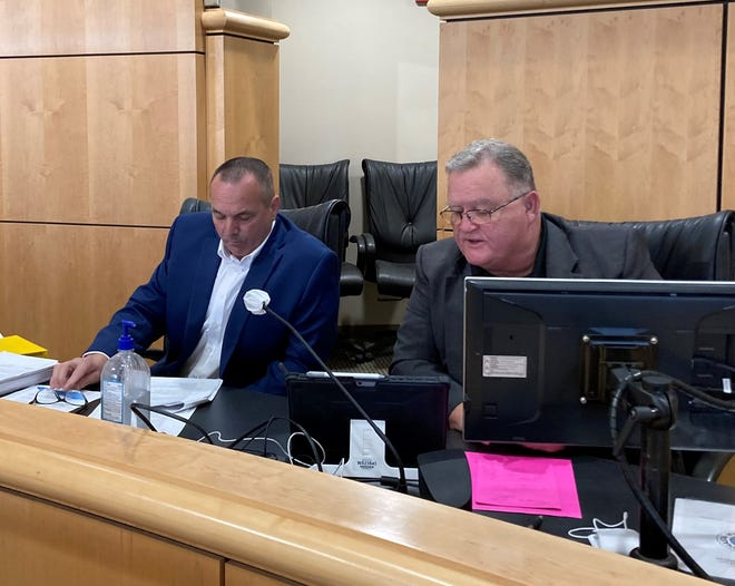 Shasta County Supervisors Patrick Jones, left, and Les Baugh have been outspoken critics of the state's vaccine mandate for health care workers.