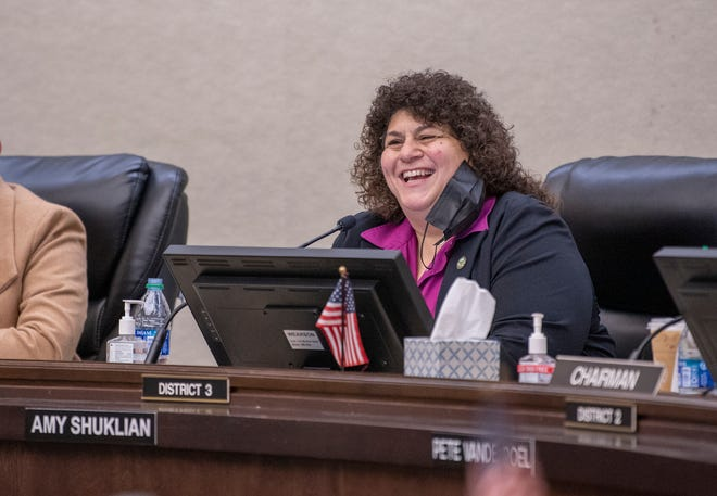Supervisor Amy Shuklian speaks during the Tulare County Board of Supervisors meeting on Tuesday, January 5, 2021. She was later elected to Chairwoman.