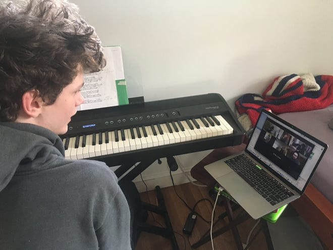 Portsmouth Music and Arts Center is offering free online music classes during the week of January 25 to 30 through a partnership with Service Credit Union.