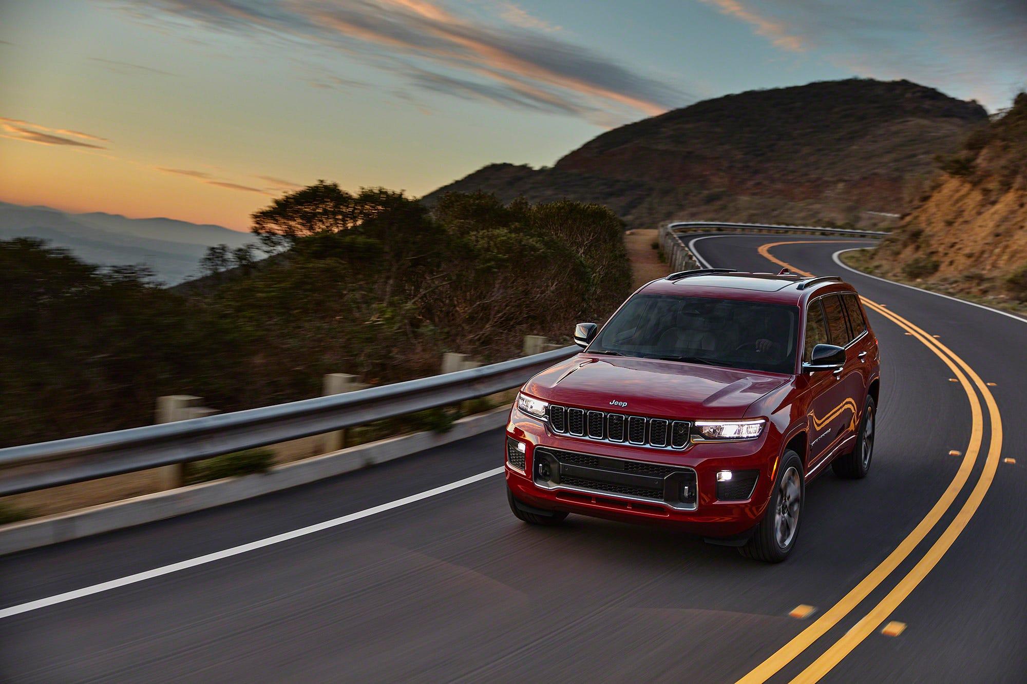 Jeep Cherokee, Grand Cherokee face scrutiny: Cherokee Nation chief says SUVs do 'not honor us'