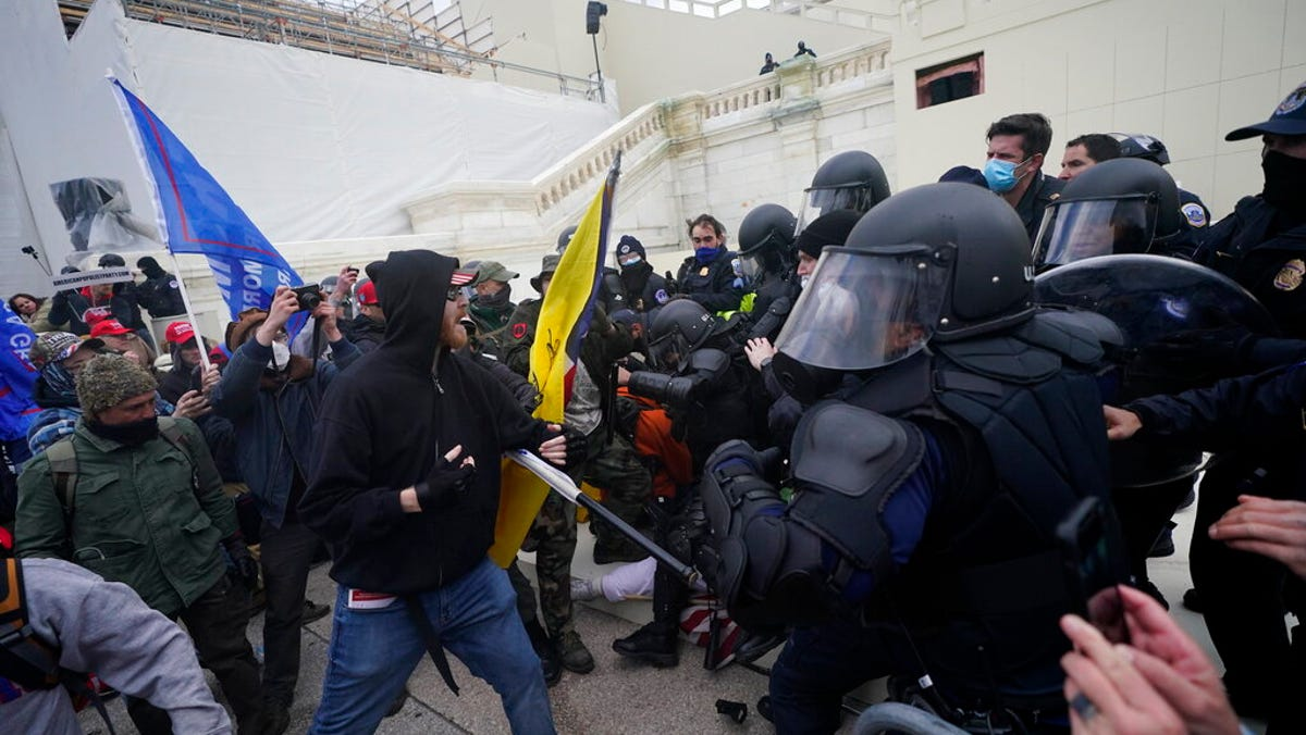 Man charged in pro-Trump siege on Capitol Hill 1