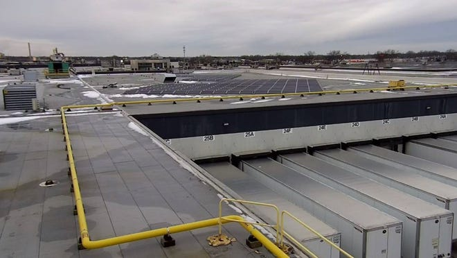 Mercury Marine installs 320 solar panels on the roof of its warehouse in Fond du Lac.