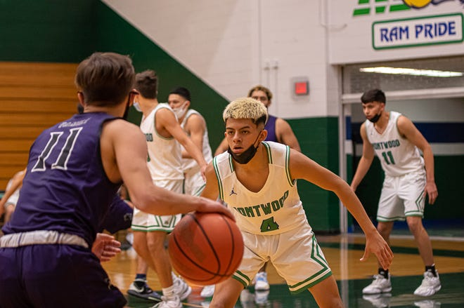 Montwood high school was defeated at home 53-39 by Franklin High School. Montwood played well, but numerous fouls and many unanswered 3-pointers by Franklin cost them the game. Jan. 5, 2021.