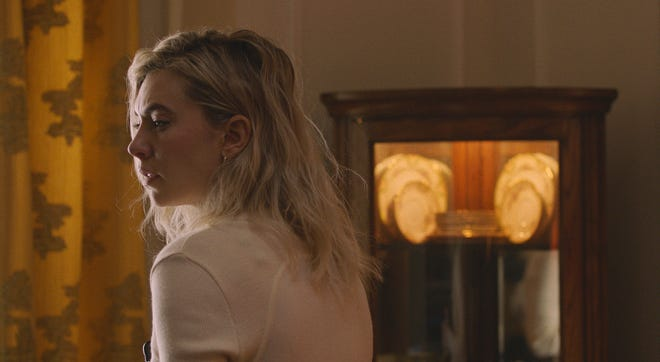 """Vanessa Kirby stars as a woman dealing in her own way with a tragic loss in """"Pieces of a Woman."""""""