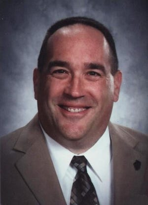 Congratulations to Monmouth-Roseville Jr. High Principal Don Farr on his retirement. Don's career as a teacher and administrator began as a teacher at Avon High School in 1990. He also was a football coach in Avon, too.