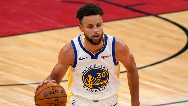Stephen Curry and the Golden State Warriors host the Los Angeles Clippers on Friday night.