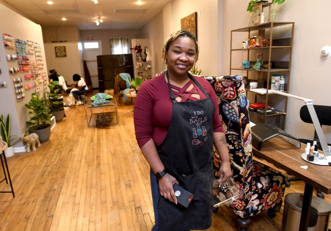 Latrice Lovelace at her Downtown Canton Sit N' Pretty Nail Salon.  Wednesday, January 06, 2021.