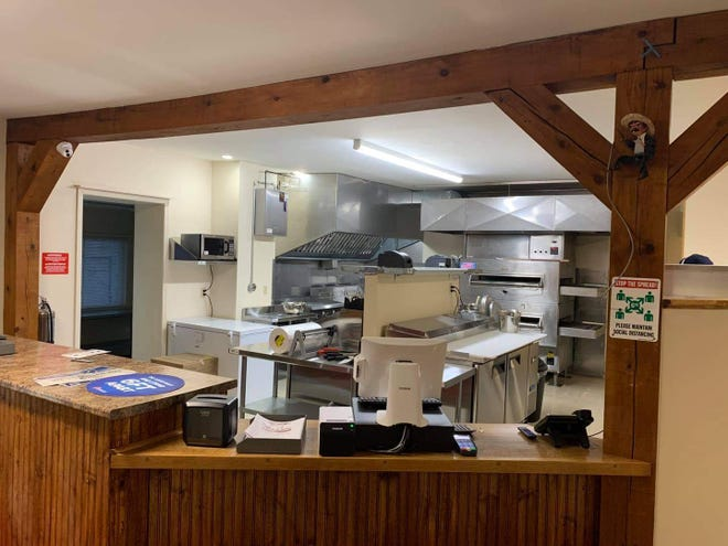 Napoli Pizza will open its doors and welcome the community and South Main neighbors to the renovated establishment Monday in the Village of Wellsville.