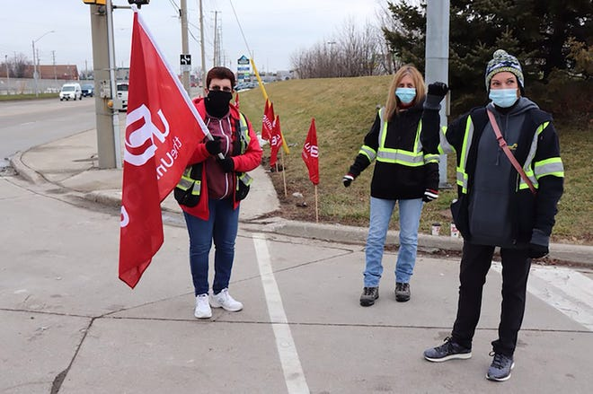 Union members have set up a blockade near Fiat Chrysler Automobiles' Windsor Assembly Plant in Ontario, Canada, because of a dispute over the people who drive the new minivans from the plant. FCA awarded a contract to a different company – Motipark – than had been doing the job before, effective Jan. 1. That has left the approximately 60 workers who had that work last year without jobs this month. Unifor Local 444, the union that set up the blockade, represents both the plant workers and the former drivers.