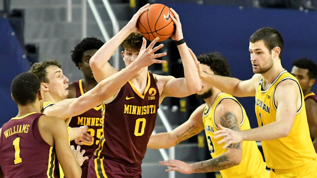 Juwan Howard, Wolverines see focus on defense pay dividends 1