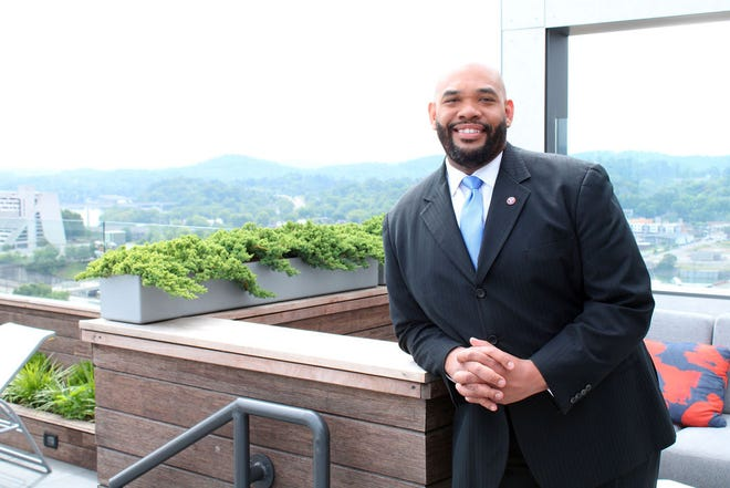 Rev. Sam Brown of Logan Temple AME Zion Chuch becomes new Knoxville Chapter President of the NAACP