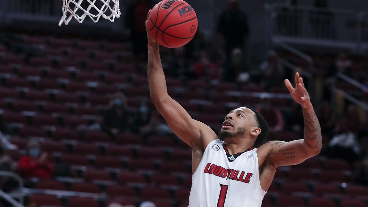 Cramps, Wake Forest can`t stop No. 16 Louisville`s...