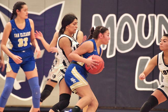 San Elizario beat Mountain View, 37-35, in girls basketball on Wednesday at Mountain View